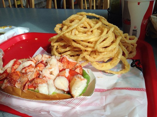 Arnold's Restaurant: Lobster roll and onion rings on a beautiful summer day!