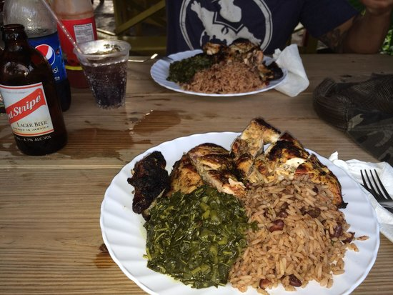3 Dives Restaurant: Jerk chicken and cold Red Stripe