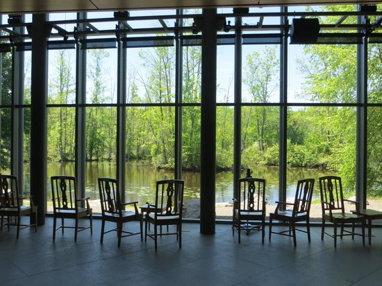Cornell Lab of Ornithology: Two-story viewing area