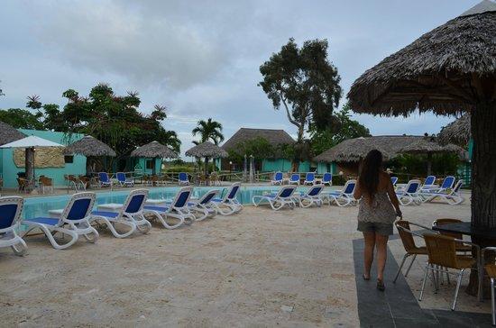 Hotel Los Caneyes: PILETA