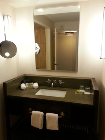InterContinental Miami: Big, clean bathroom