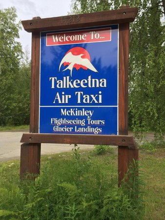 Talkeetna Air Taxi : Welcome sign
