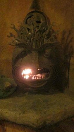 Kuychi Rumi : Awesome fireplace