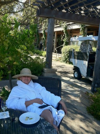 Ventana Big Sur, an Alila Resort : Relaxing on the patio after a massage and wine/cheese from 4 - 5:30.