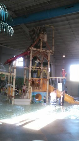 Carribean Indoor Water Park : Climber with large dumping bucket.