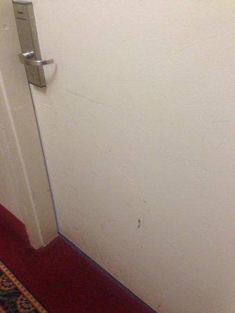 Hudson Valley Resort and Spa: Door to room