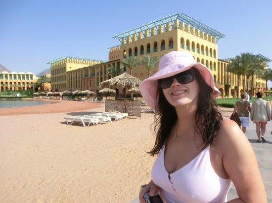 Strand Beach and Golf  Resort Taba Heights: ЛИЦО НАДО ЗАЩИЩАТЬ ОТ УФ ВЫСОКИМ ФАКТОРОМ!