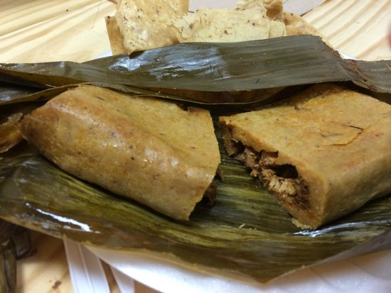 The Tamale Place: Tamale with chicken, chocolate and nuts