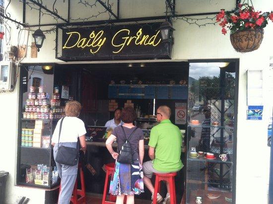 Daily Grind: Una esquina de aroma y sabor en Otavalo Ecuador