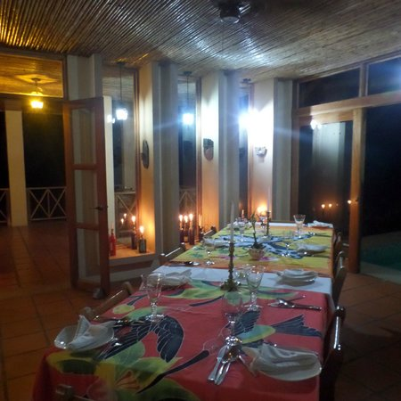 Rio Magnolia Nature Lodge: beautiful dinner tables