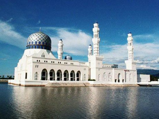 Kota Kinabalu City Mosque: Floating Mosque