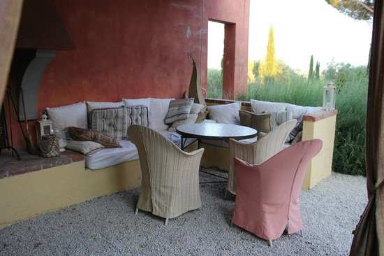Fontelunga Hotel & Villas: Outdoor seating