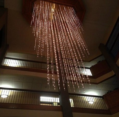 Drury Inn & Suites Lafayette: Gorgeous lighting as evening arrived