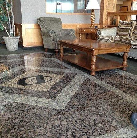 Drury Inn & Suites Lafayette: Lobby