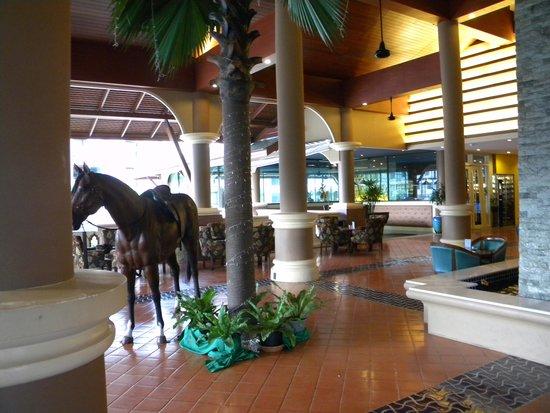 Novotel Phuket Vintage Park: A corner of hotel lobby