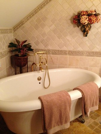 The Annapolis Inn: Rutland Suite bath