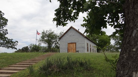 Lyndon B. Johnson State Park & Historic Site: Exterior of school house