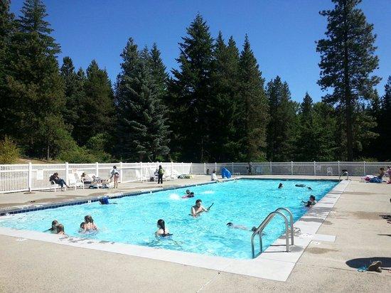 Thousand Trails: Swimming pool