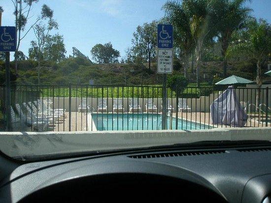 Rodeway Inn & Suites El Cajon San Diego East : Pool and hot tub area
