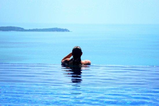 Sandalwood Luxury Villas : Vistas desde la piscina.