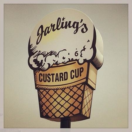 Jarling's: Delicious ice cream and cool sign!