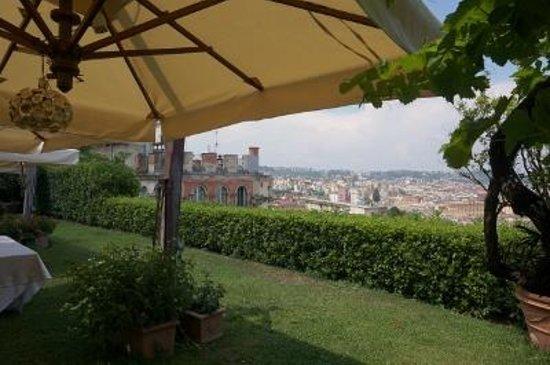 Hotel San Francesco al Monte: 庭