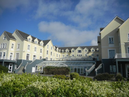 Galway Bay Hotel: Front View