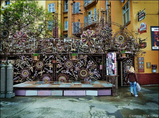 SANDEMANs NEW Europe - Prague: Prague- Cross club - (you will not see it on this tour)