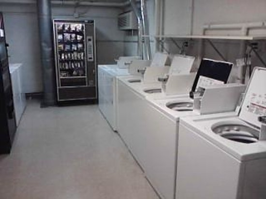 Klopfenstein Inn And Suites: Guest Laundry