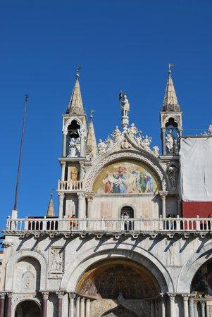 Basílica de San Marcos: 外観