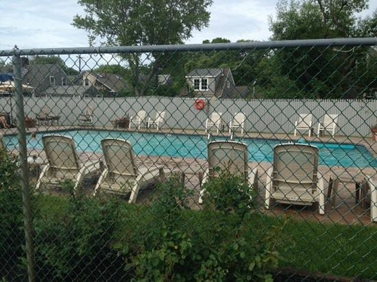 Cape Colony Inn: heated pool