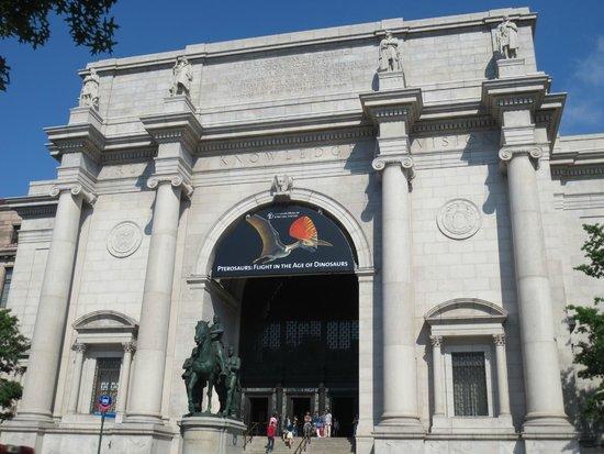 American Museum of Natural History: Exterior of musuem