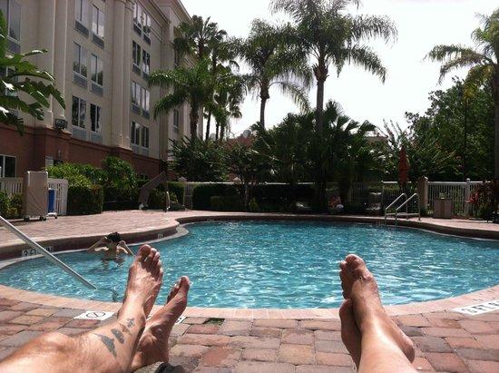 Hampton Inn Orlando/Lake Buena Vista: Relaxing in the Sunshine!