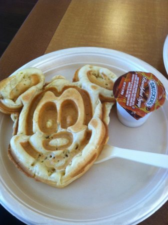 Hampton Inn Orlando/Lake Buena Vista: Mickey Waffle for Breakfast