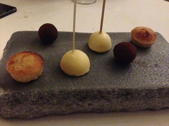 Catalan petit fours