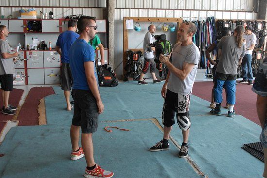 Skydive Space Center : Pre-flight interview