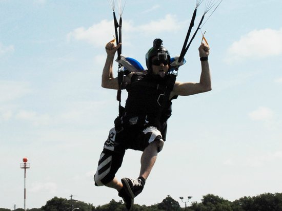Skydive Space Center : Photo guy, Wicks, doing his thing.