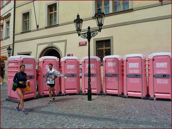 Prager Altstadt: Prague- Jenny on the spot