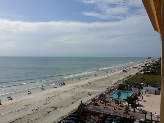 Hampton Inn Daytona Beach/Beachfront: View from room
