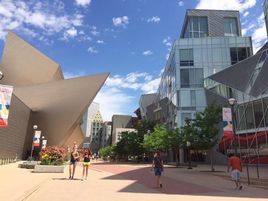 Denver Art Museum : a great mix of contemporary design