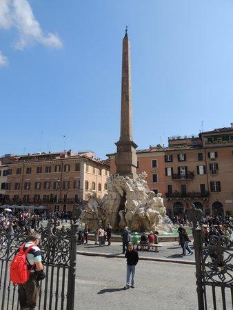 Piazza Navona : Four Rivers Fountain