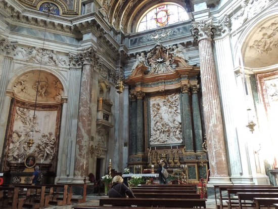 Piazza Navona : Interior of Church of St. Agnes in Agony