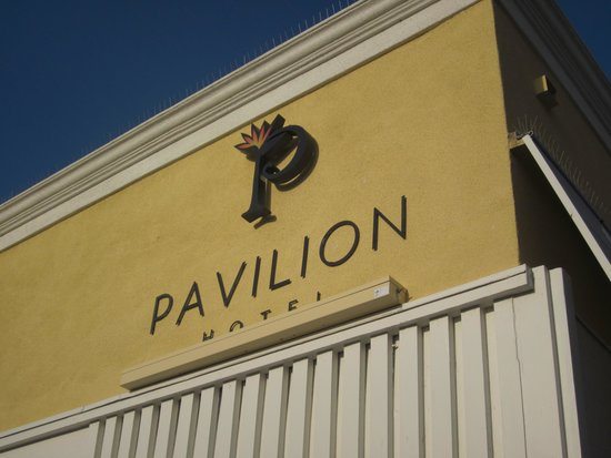 Pavilion Hotel: Easy Access
