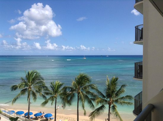 Outrigger Reef Waikiki Beach Resort: Check it!