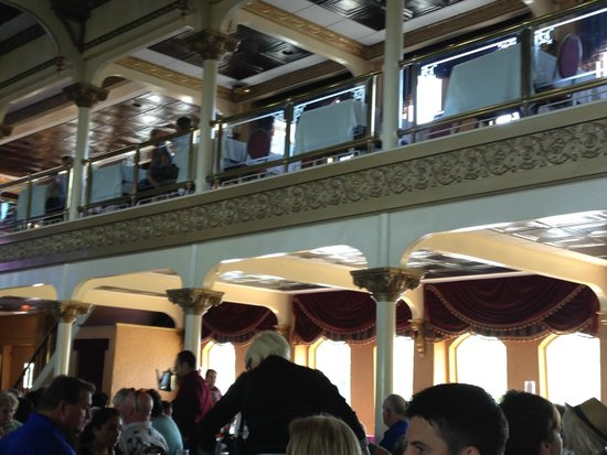 General Jackson Showboat: From Inside The Dining Room