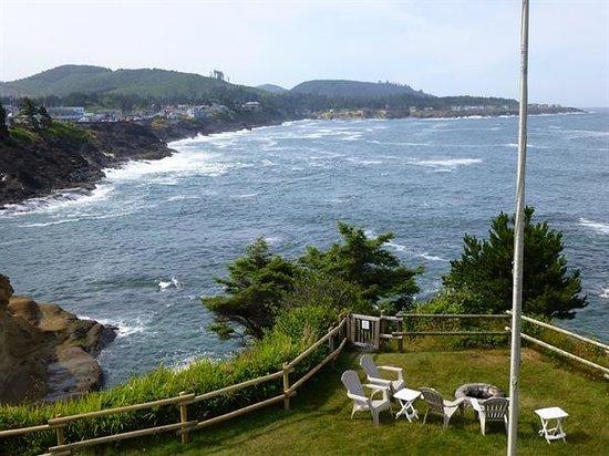 Inn at Arch Rock: Towards the coast