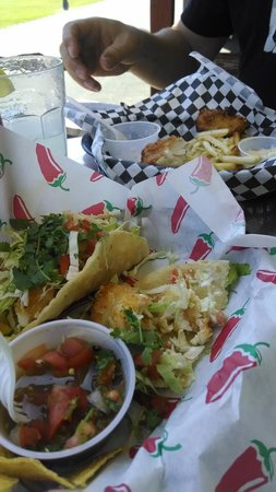OleBob's Seafood Market and Galley Restaurant: Fish tacos and cod & chips