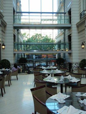 Corinthia Hotel Budapest : Dining area