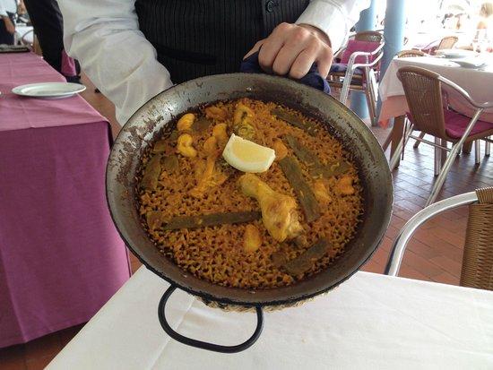 Ad Hoc Monumental Hotel : Paella at La Pepica