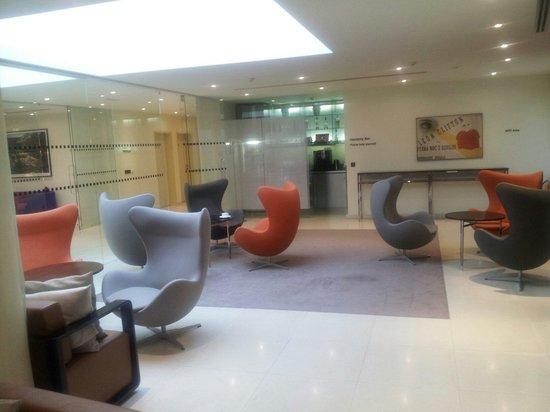 Maximilian Hotel: Petit salon commun